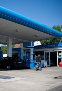 Eingang Tankstelle Autoservice Hansen Werkstatt Paderborn
